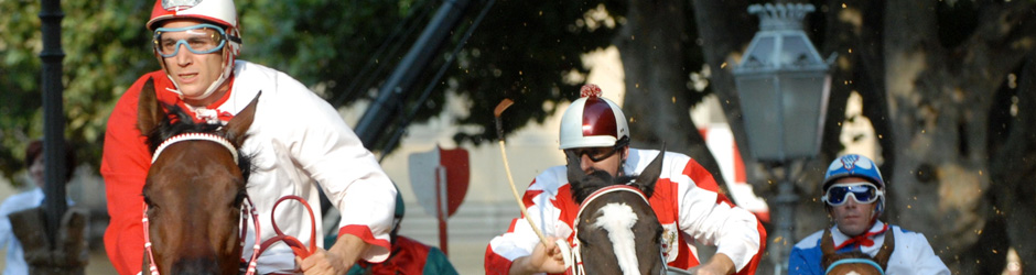 Come see the Palio, to eat at the Festival of Festivals and taste wines at the Douja d'Or